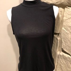 Athleta pull over small mock neck